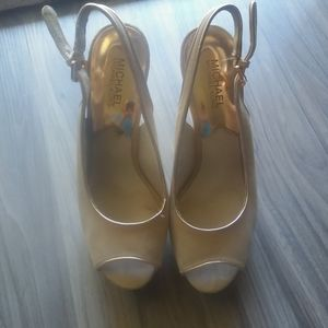 Mk tan leather heels